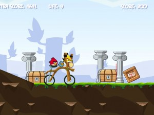 Онлайн игра Злые птички на байке (Angry Birds Bike Revenge) (изображение №4)