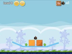 Онлайн игра Бомбардировка плохих свинок (Angry Birds Bomb) (изображение №2)