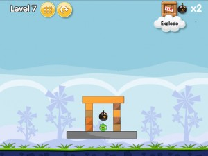 Онлайн игра Бомбардировка плохих свинок (Angry Birds Bomb) (изображение №3)